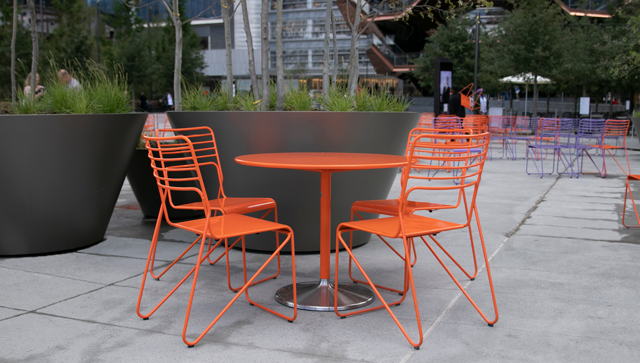 Orange Kontur Table and Chairs