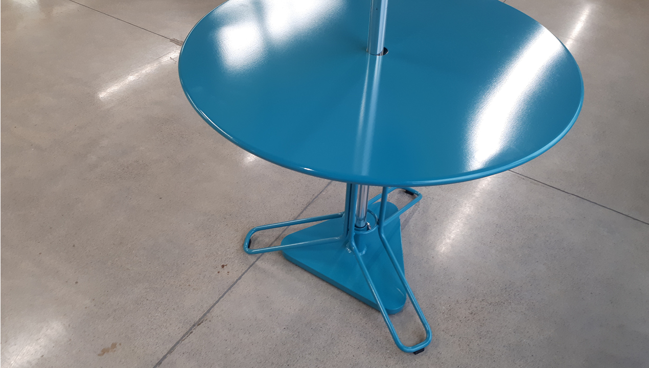 Blue Kontur Table