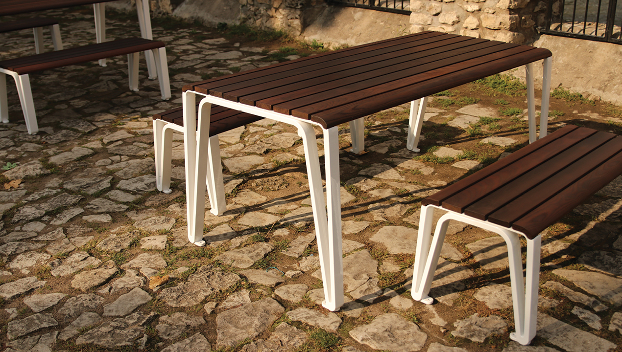 ICONIC 2300 Series Table and Benches
