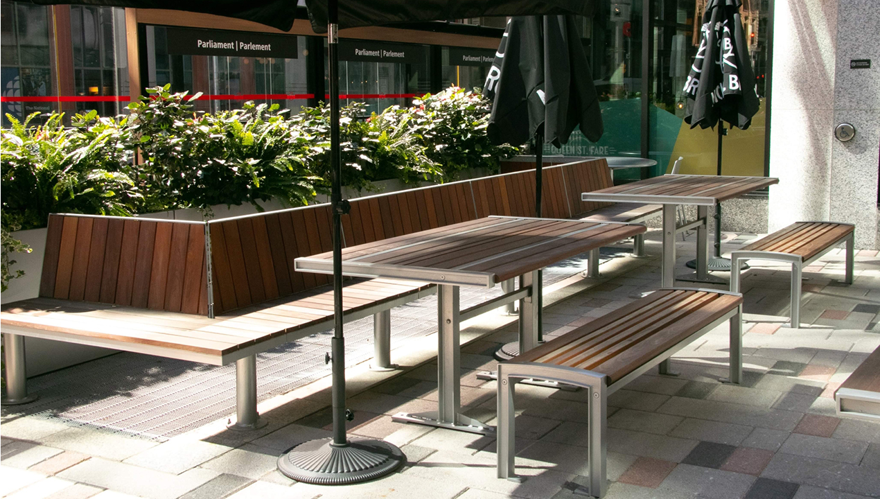 Ogden benches with 720 tables and backless benches