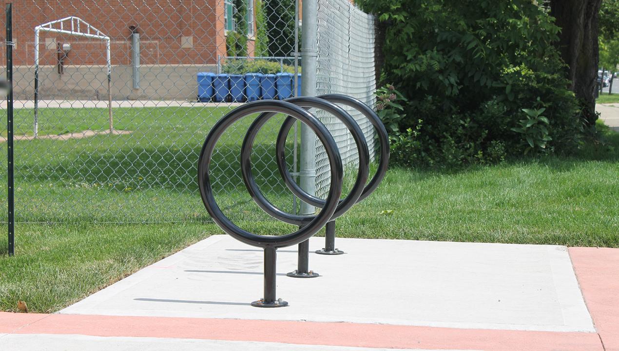 100 Series - 150 Bike Rack in black powdercoat